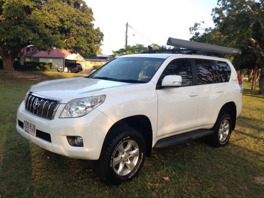 For Sale: 2010 150 Diesel Prado, White, Auto, 7 seats